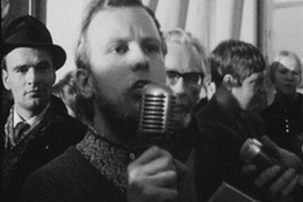 Marraskuun liikkeen itsenäisyysjuhlassa 6.12.1967 puhui muun muassa Ilkka Taipale. (Kuvalähde: Ylen Elävä arkisto)