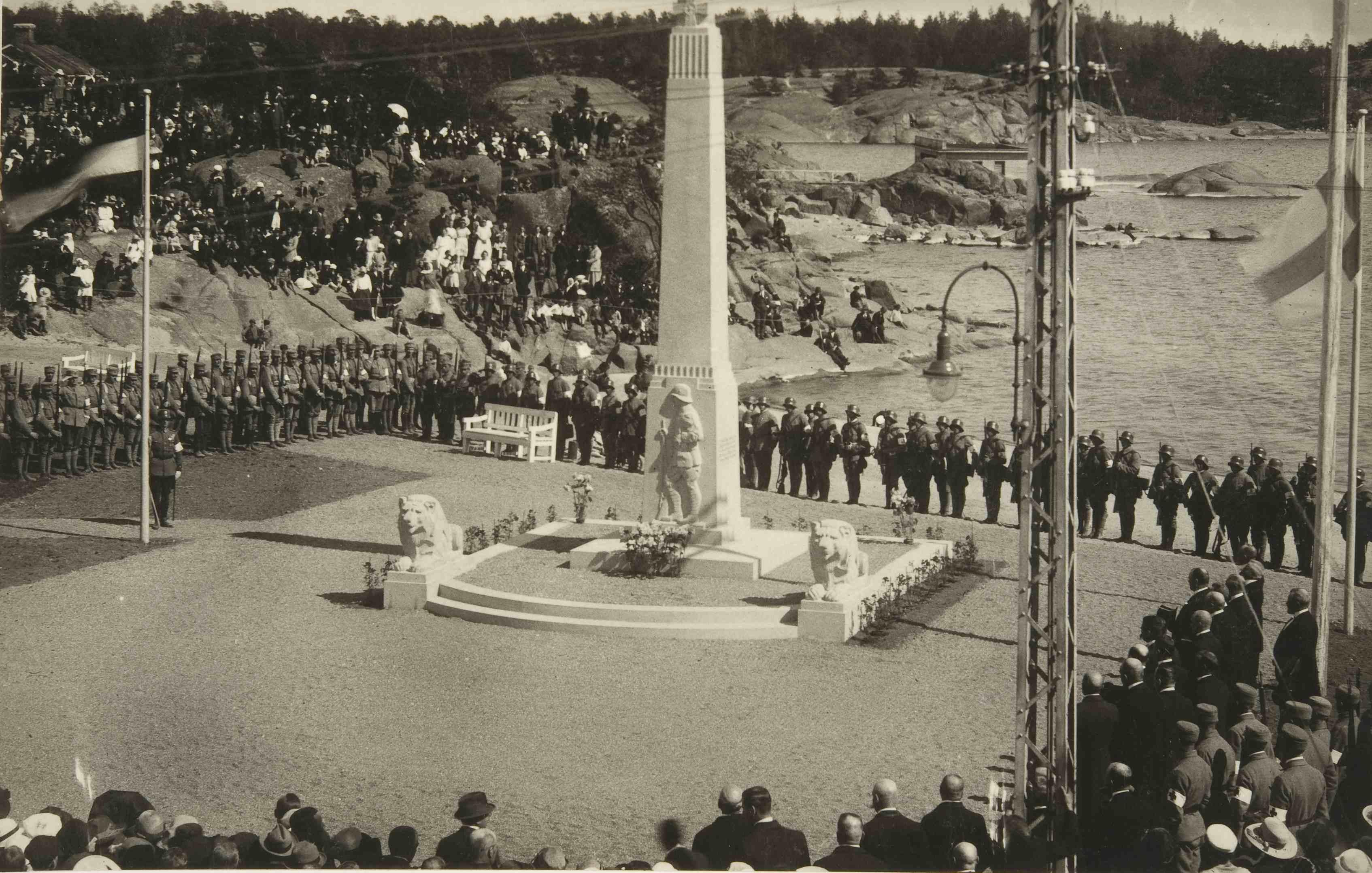 Hangon vapaudenpatsaan paljastustilaisuus 1921. (Museovirasto)